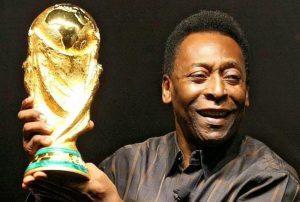 Hospitalizan al 'Rey' Pelé