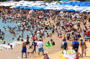Coronavirus: Reportan primer caso en Acapulco, con hoteles llenos