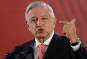 """""""Tenemos condiciones para resistir crisis"""": AMLO"""