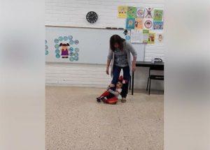 VIDEO: Maestra enseña a sus alumnos a evitar ser secuestrados