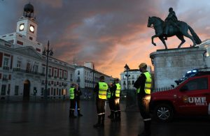 España cierra fronteras ante crisis por coronavirus