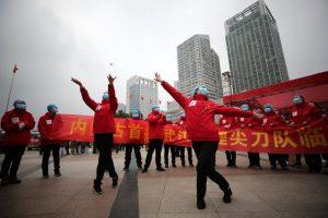 Coronavirus: Celebran en China cierre de hospitales tras pacientes curados