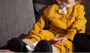 Conoce a Isla, la niña de 2 años que luce como ancianita