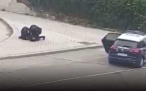 Arrestan a corredora en España por violar cuarentena (VIDEO)