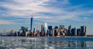 Pide alcalde de Nueva York cuarentena nacional ante emergencia por coronavirus
