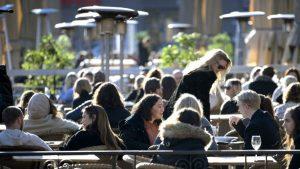 Disciplina social, así 'combaten' en Suecia el coronavirus mientras continúan su vida social y económica