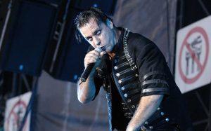Rammstein desmiente que Till Lindemann se haya infectado de COVID-19