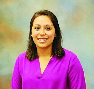 Estudiante de Laredo concluye doctorado en Farmacéutica