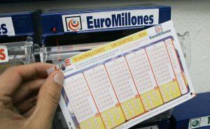Euromillón: Hombre gana 18 millones de dólares pero no podrá recibirlos por confinamiento