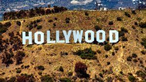 """Letras de Hollywood cambian por """"Quédate en casa"""" VIDEO"""