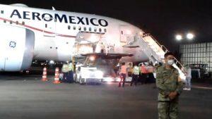 Llega a México cargamento con insumos médicos proveniente de China VIDEO