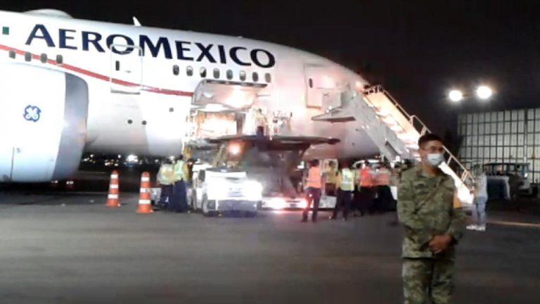 Llega a México cargamento con insumos médicos proveniente de China