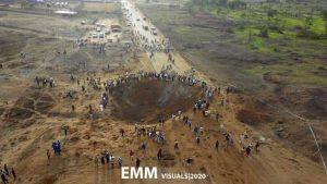 Cae 'meteorito' en Nigeria dejando inmenso cráter (+VIDEO)
