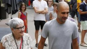 Muere la mamá de Pep Guardiola, víctima del COVID-19