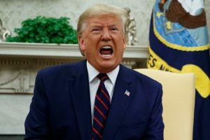Trump ataca a OMS por consejos sobre el coronavirus