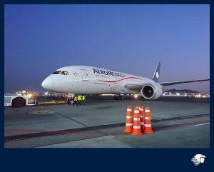 Despega avión que traerá equipo médico para combatir al coronavirus