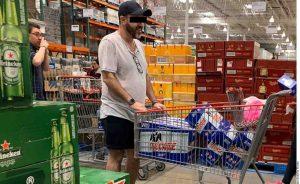Compras de pánico de cerveza y alcohol revelan problemas mentales: psicóloga