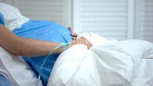 Laredo, Texas: Dos embarazadas entre los pacientes de covid-19