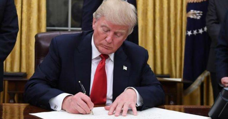 ¡ATENCIÓN! Suspende Trump Green Cards por 60 días