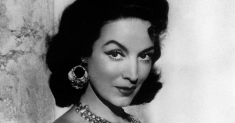 Este 8 de abril se cumplen años del nacimiento y la muerte de María Félix, la actriz emblempatica del cine mexicano, que conquistó el mundo