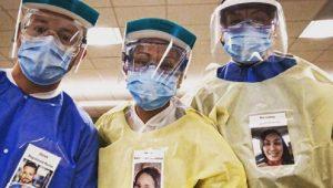 Médicos muestran su rostro por medio de fotos para que sus pacientes los conozcan