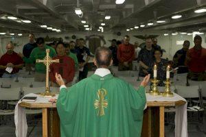 Suspende iglesia católica de Colombia a 15 sacerdotes por abuso sexual