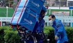 VIDEO: China utilizan exoesqueleto para aumentar capacidad de repartidores