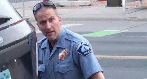 George Floyd: ¿quién es el policía Derek Chauvin detenido por asesinato?