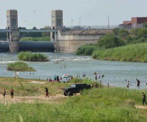 Pese a Fase 3, familias arman fiesta en el río Bravo en Reynosa (FOTOS)