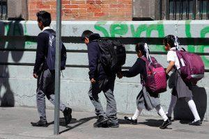 Puebla culmina ciclo escolar sin reprobados; por decreto todos pasan