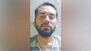 Hurta aparatos de un automóvil en Laredo y es arrestado