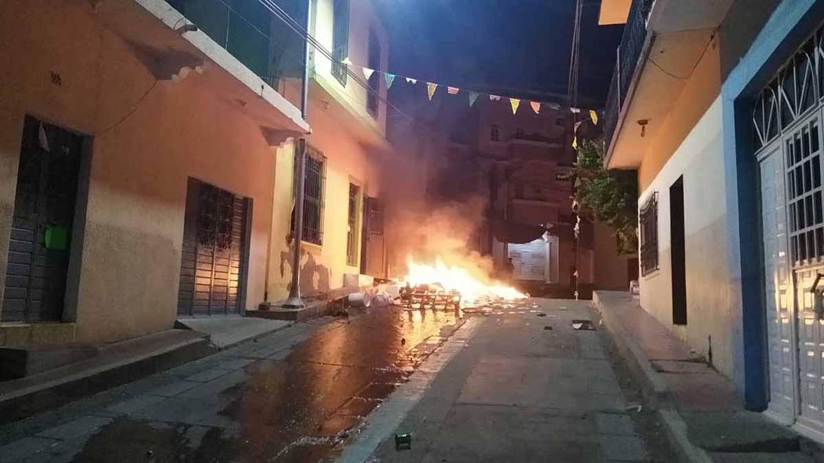 """Pobladores atacan hospital de Chiapas porque el """"Covid-19 no existe"""" (VIDEO)"""