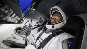 """SpaceX: Nave Espacial """"Crew Dragon"""" Atracaron Con Éxito En La Estación Espacial Internacional"""