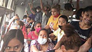 ¿Sana distancia en el transporte público de Nuevo Laredo?: ¡Inexistente!