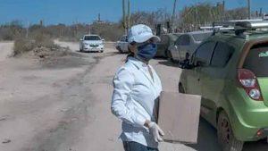 Tunde INE a políticos que aprovechan la pandemia para promocionar su imagen con apoyos