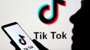 Menor se corta el dedo mientras hacía video para Tik Tok