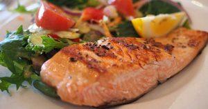 Vitamina D: Estos son los pescados que debes comer para obtenerla