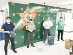 Donan escuelas caretas al Departamento del Sheriff