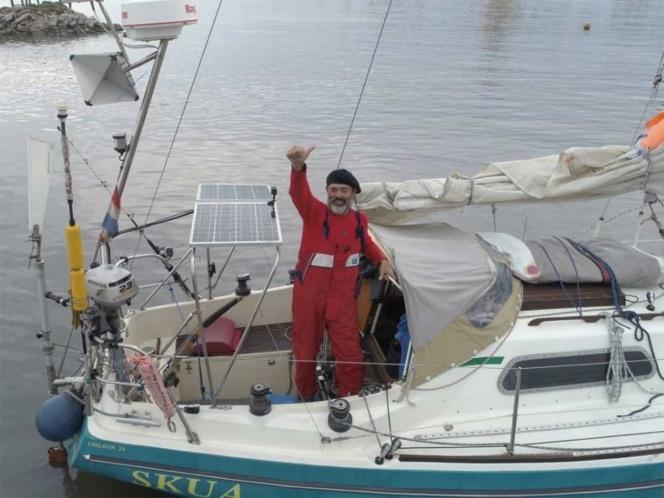 Hombre atravesó el Atlántico en velero para poder ver a sus padres