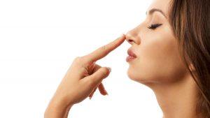 Pacientes de covid-19 que perdieron sentidos del olfato y gusto quizás nunca los recuperen