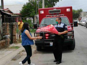Bomberos celebran a quinceañera en Nuevo Laredo con vals VIDEO