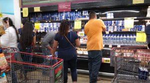 ¡Terminó la sequía! Así compraron cervezas en Nuevo Laredo (Fotos)
