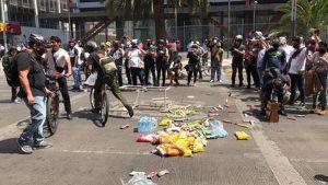 VIDEO: Manifestantes saquean alimentos y cervezas de establecimientos