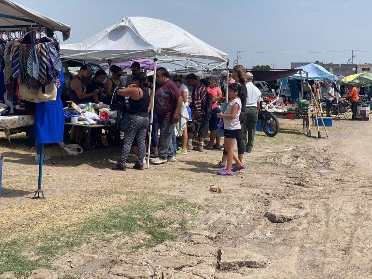 Nuevo Laredo- Acuden a la pulga sin respetar sana distancia ni uso de cubrebocas