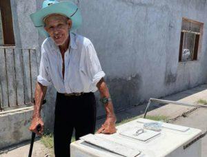 """Nuevo Laredo llena de amor al """"Abuelito de las Paletas"""""""
