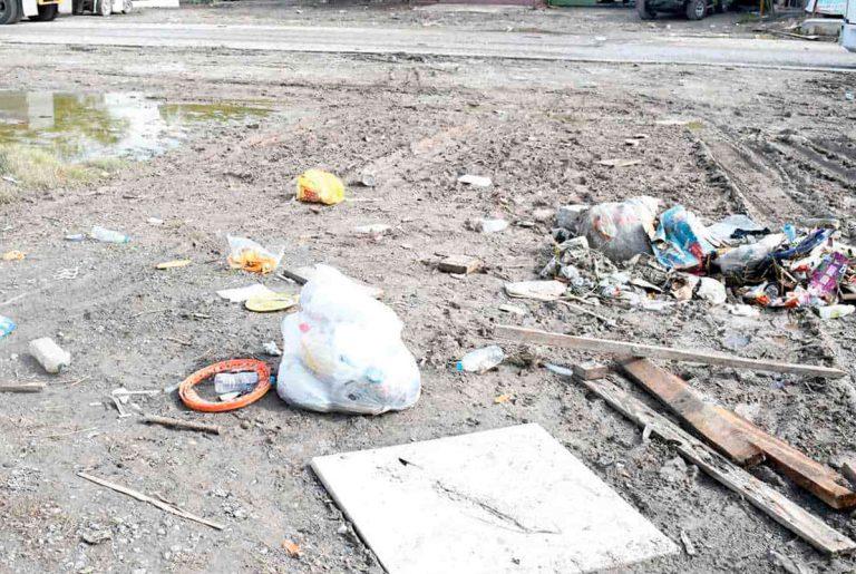 Basura invade calles de Reynosa tras paso de Hanna