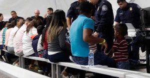 Más de mil inmigrantes detenidos en EE.UU contagiados de coronavirus