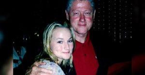 Salen a la luz fotos que involucran a Bill Clinton en el caso de Jeffrey Epstein