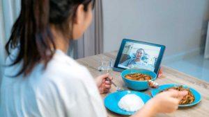 Temen que por el covid la cena de Acción de Gracias sea 'online'