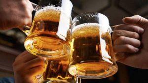 Mexicanos gastan 850 pesos en cerveza al año según análisis